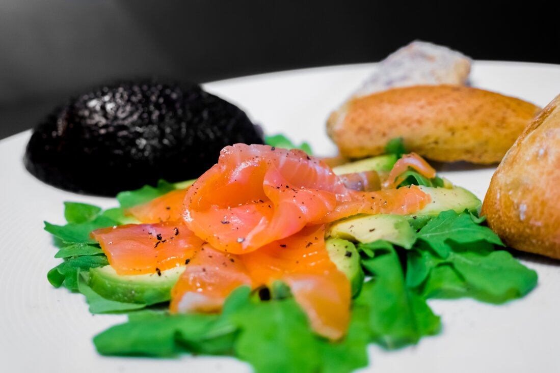 Lachs-Grapefruit-Avocado Salat
